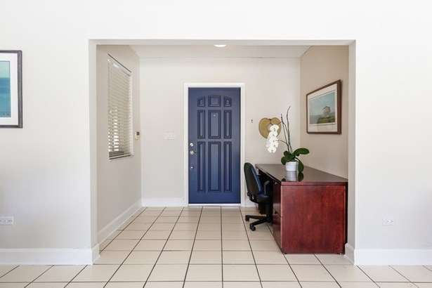 Foyer Entrance (photo 2)