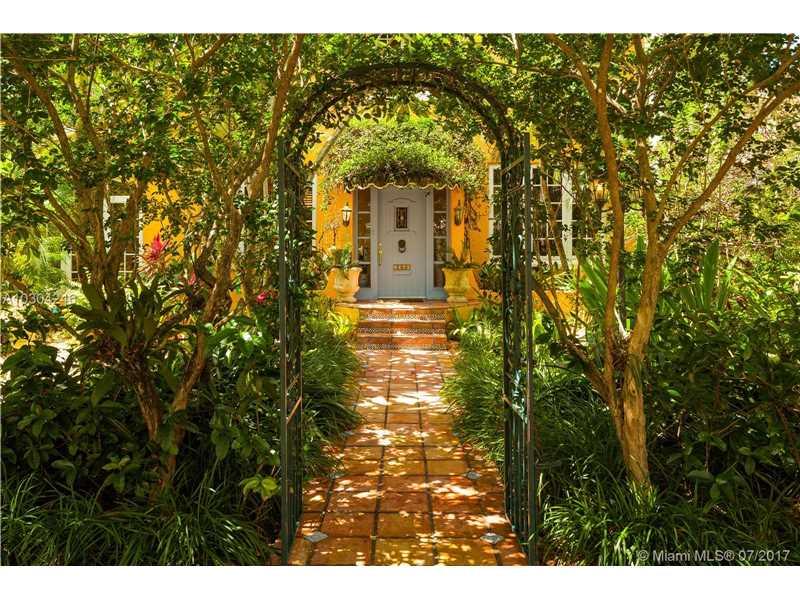 1340  Asturia Ave  , Coral Gables, FL - USA (photo 2)