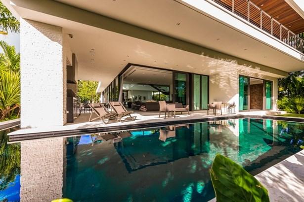 Pool Exterior (photo 2)