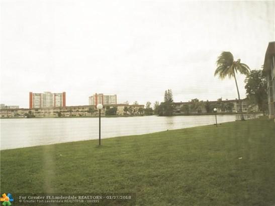 1530 Ne 191st St, North Miami Beach, FL - USA (photo 1)