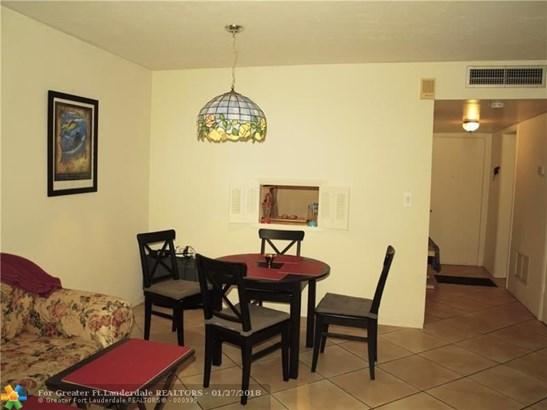 1530 Ne 191st St, North Miami Beach, FL - USA (photo 2)