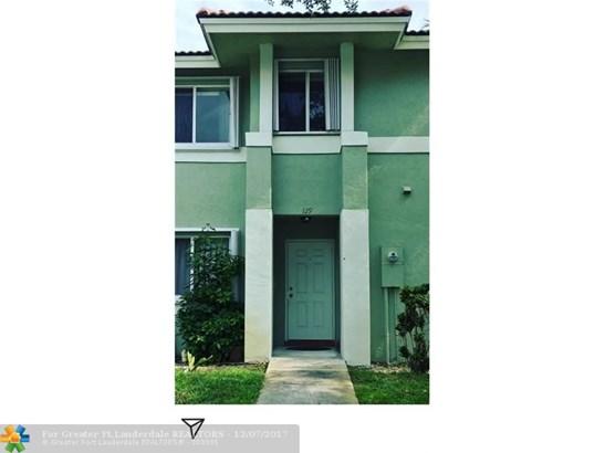 129  Hidden Court Rd, Hollywood, FL - USA (photo 1)