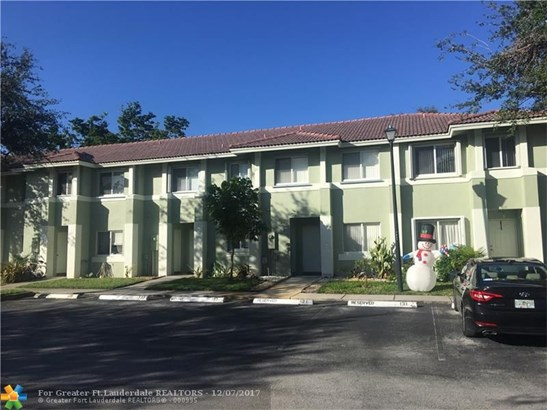 129  Hidden Court Rd, Hollywood, FL - USA (photo 2)