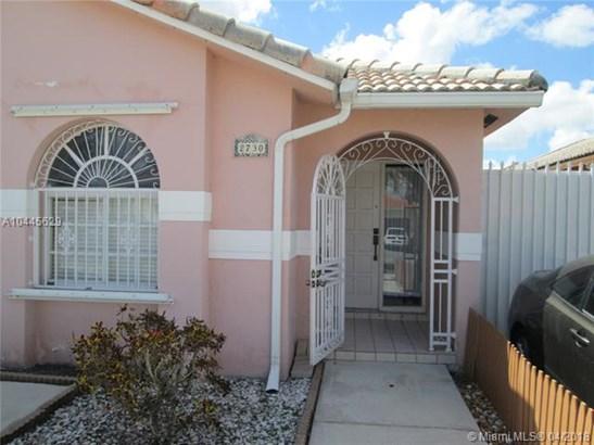 2730 W 70th St  , Hialeah, FL - USA (photo 2)