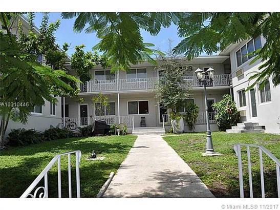 631 Ne 72 Te  , Miami, FL - USA (photo 2)