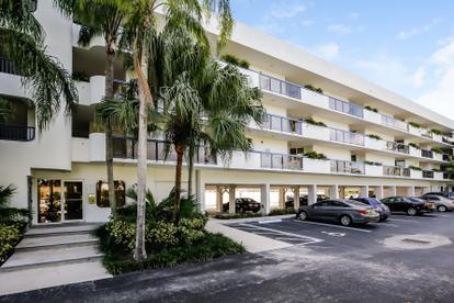 2370 Ne 135th St  , North Miami, FL - USA (photo 1)