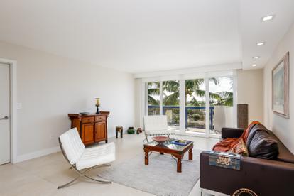 2370 Ne 135th St  , North Miami, FL - USA (photo 2)