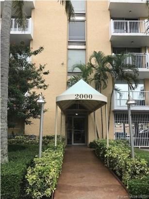 2000 Ne 135 St  , Miami, FL - USA (photo 2)