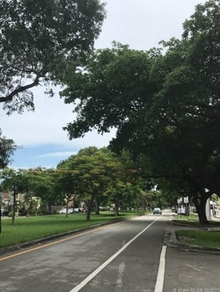 2000 Ne 135 St  , Miami, FL - USA (photo 4)