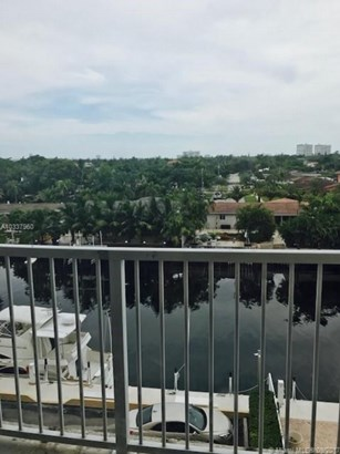 2000 Ne 135 St  , Miami, FL - USA (photo 5)
