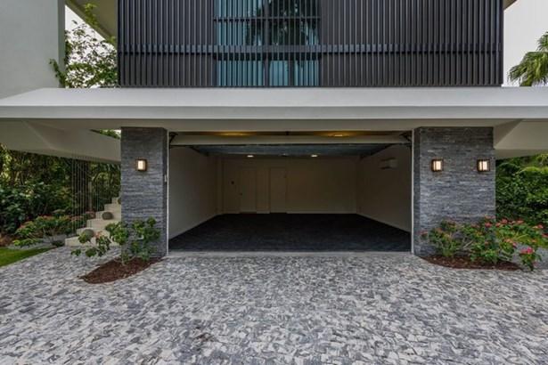 EXTERIOR GARAGE (photo 3)