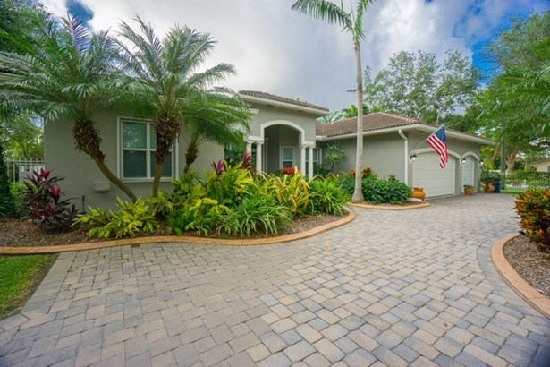 Welcome to 12297 SW 102 Avenue! (photo 1)
