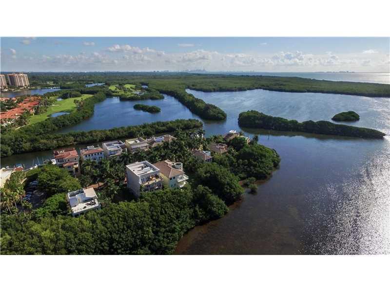 5855 Paradise Point Dr, Palmetto Bay, FL - USA (photo 2)