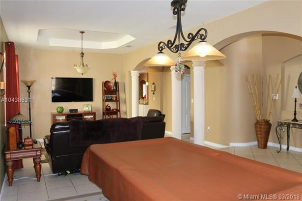 Tree Island Estates, 15374 Sw 23rd St  , Miami, FL - USA (photo 3)