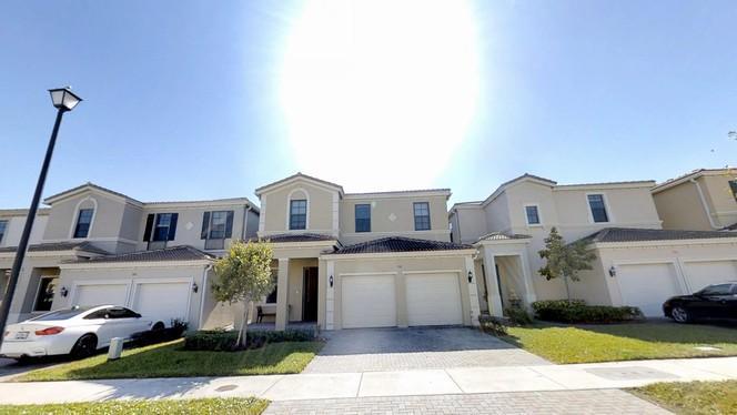 796 Ne 191st St  , Miami, FL - USA (photo 4)