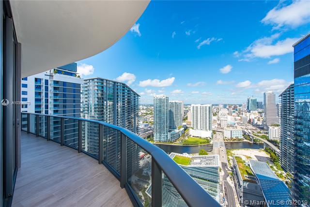45 Sw 9th St  , Miami, FL - USA (photo 2)
