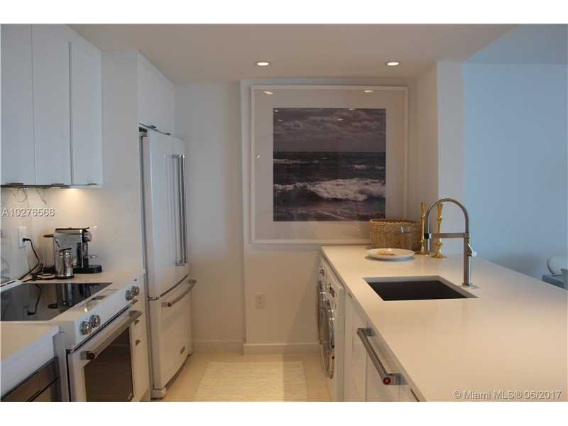 10275  Collins Ave  , Bal Harbour, FL - USA (photo 4)