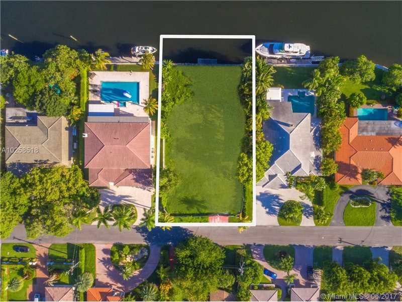 479  Tamarind Drive  , Hallandale, FL - USA (photo 4)