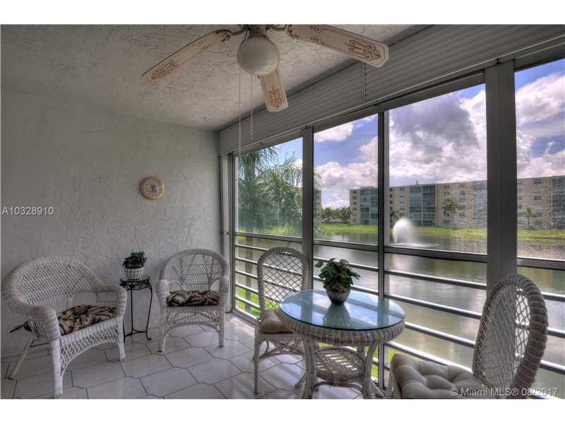 200 Se 5th Ave # 205, Dania Beach, FL - USA (photo 2)