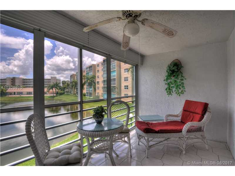 200 Se 5th Ave # 205, Dania Beach, FL - USA (photo 3)