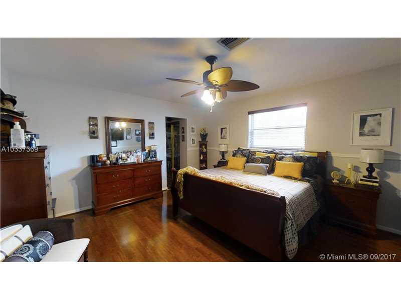 2321 Sw 68th Ave, Miramar, FL - USA (photo 5)