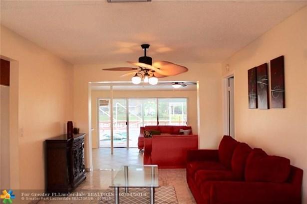 1160 Nw 92nd Ave, Pembroke Pines, FL - USA (photo 4)