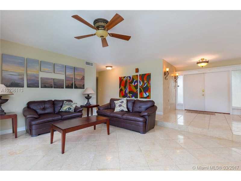 631 Oleander Drive, Hallandale, FL - USA (photo 5)