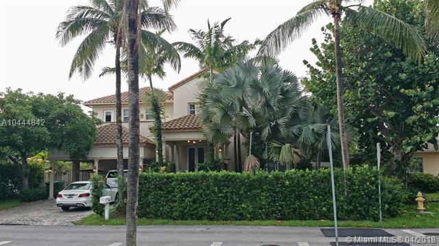 335 W Enid Dr  , Key Biscayne, FL - USA (photo 3)