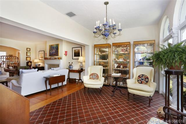 908  Tendilla Ave  , Coral Gables, FL - USA (photo 5)