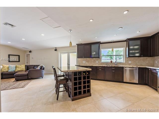 8265 Sw 163 St  , Palmetto Bay, FL - USA (photo 3)