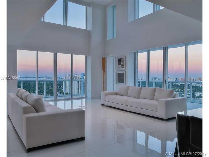10 Venetian Wy # Ph04, Miami Beach, FL - USA (photo 2)