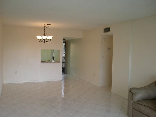 483 N Pine Island Rd, Plantation, FL - USA (photo 3)