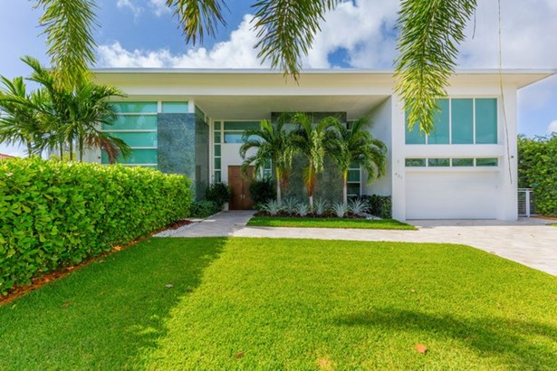 431  Alamanda Drive  , Hallandale, FL - USA (photo 1)