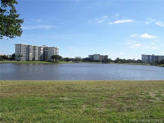 3091 N Course Dr  , Pompano Beach, FL - USA (photo 3)