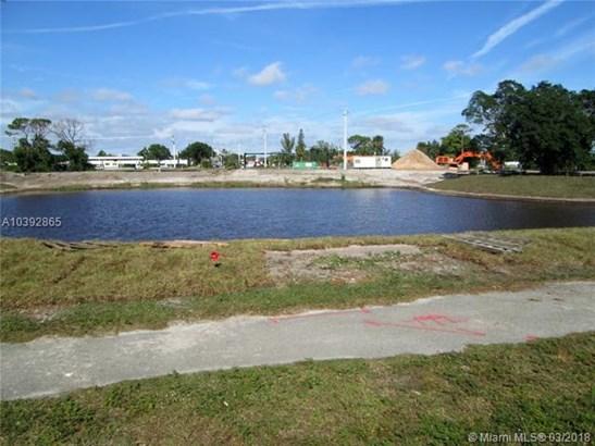 3091 N Course Dr  , Pompano Beach, FL - USA (photo 4)