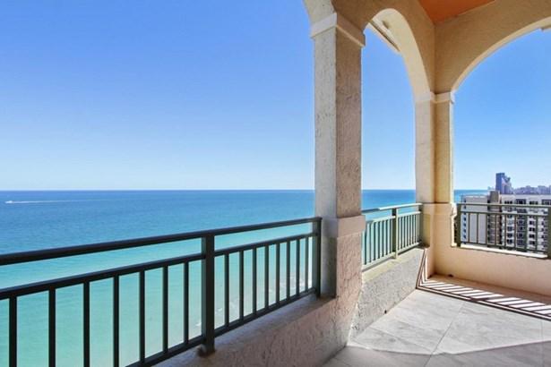 Balcony (photo 1)