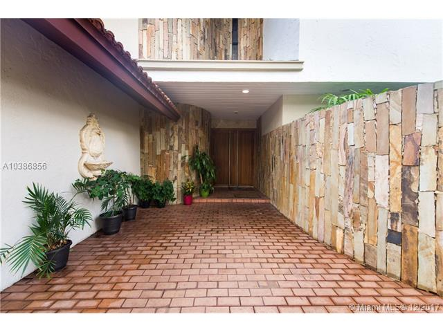 6911  Maynada St  , Coral Gables, FL - USA (photo 3)