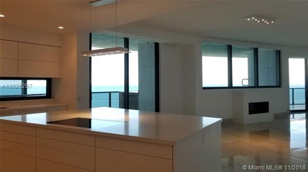 Porsch Design Tower, 18555  Collins Ave  , Sunny Isles Beach, FL - USA (photo 5)