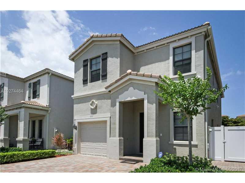 687 Ne 193rd St, Miami, FL - USA (photo 1)