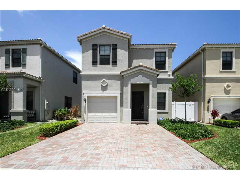687 Ne 193rd St, Miami, FL - USA (photo 2)