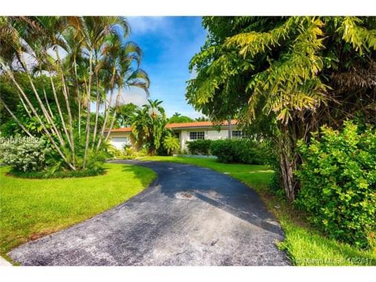 1041 Ne 83rd St  , Miami, FL - USA (photo 2)