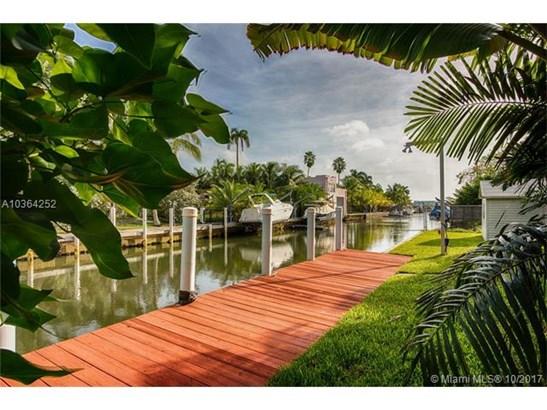 1041 Ne 83rd St  , Miami, FL - USA (photo 3)