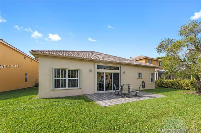4430  Fox Ridge Dr  , Weston, FL - USA (photo 3)