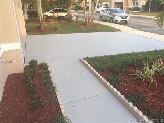 16553 Nw 21st St  , Pembroke Pines, FL - USA (photo 4)