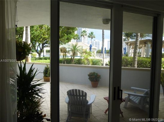 The Point, 21055  Yacht Club Drive  , Aventura, FL - USA (photo 4)