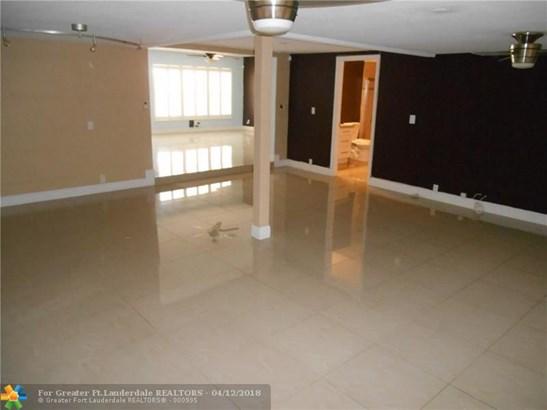 Jenada Villas, 816 Nw 30th St, Wilton Manors, FL - USA (photo 5)
