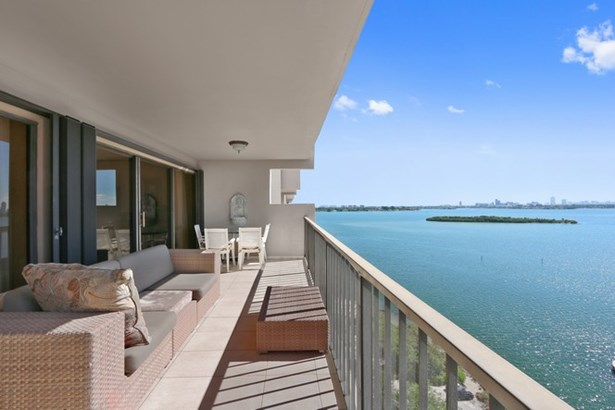 1800 Ne 114th St  , Miami, FL - USA (photo 5)