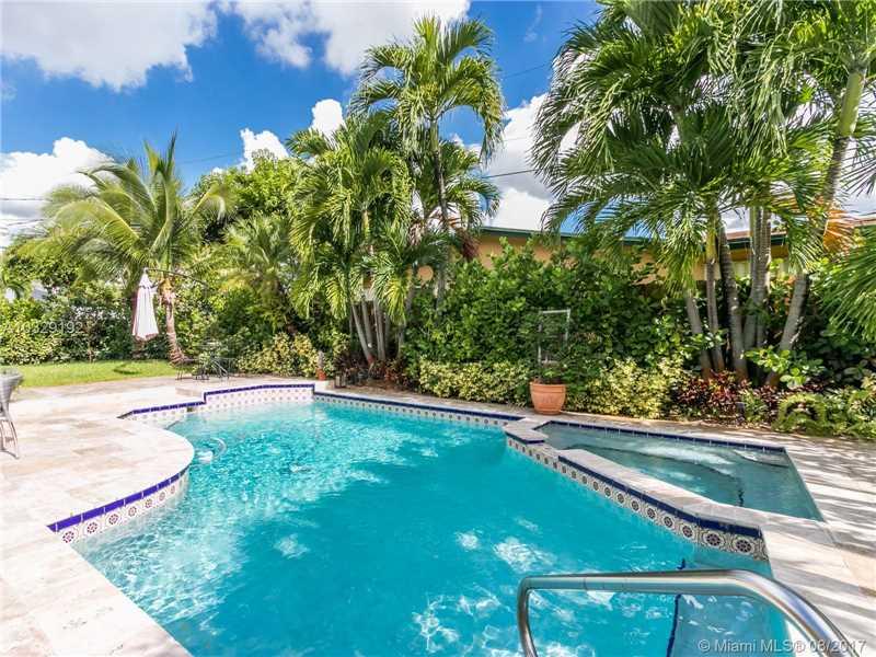 2301 Ne 196th St  , Miami, FL - USA (photo 5)