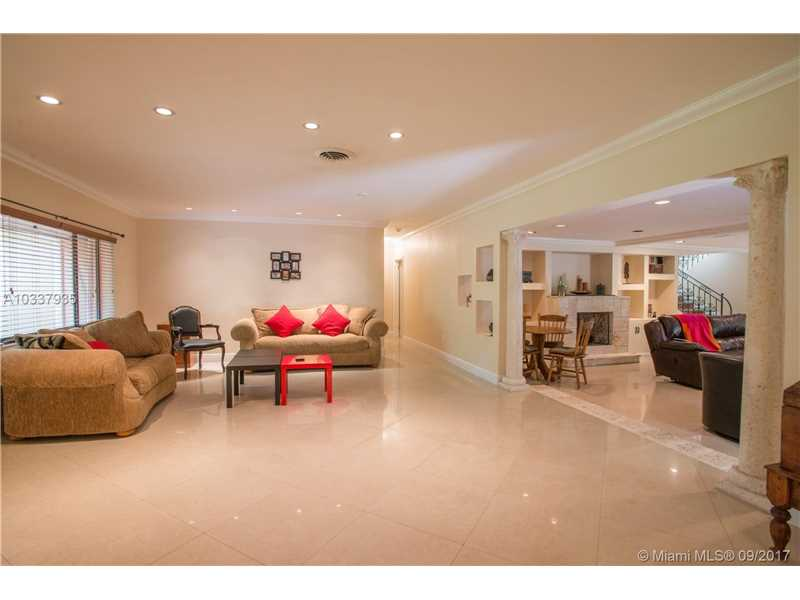 6210 Leonardo St, Coral Gables, FL - USA (photo 4)