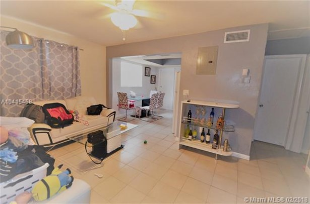 529 Sw 114th Ave  , Sweetwater, FL - USA (photo 2)